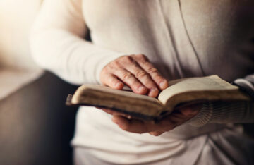 IRAN   JUL. 21, 2021 — Young Woman's Health Improves with Prayer